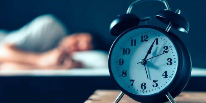 هل النوم كثيرا يضر بالصحه؟